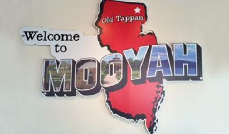 Old Tappan New Jersey MOOYAH Burgers Fries and Shakes - restaurant interior image